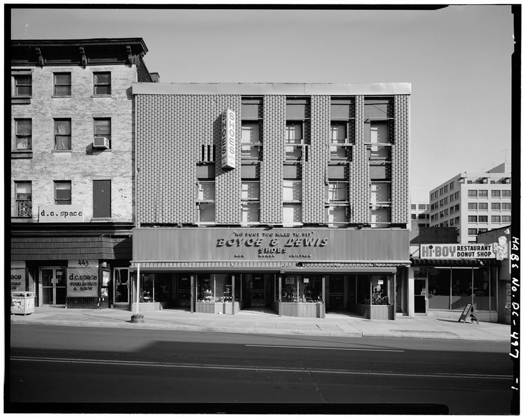 Boyce & Lewis Shoes, Susan Ireland's boarding house with modern façade, 1979. Courtesy of the Library of Congress